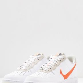 Nike Air Force. Str 42,5. Nye og ikke brugt.