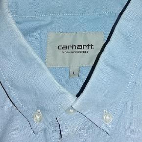 Carhart skjorte i str L, skjorten er i 100% bomuld, brugt men ellers i fin stand #30dayssellout