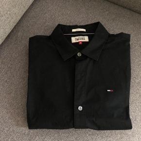 Tommy Hilfiger - skjorte (str. medium | slim fit) Dejlig skjorte, næsten som ny!