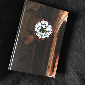 Helt ny bog: Jordens Søjler skrevet af Ken Follet Aldrig åbnet