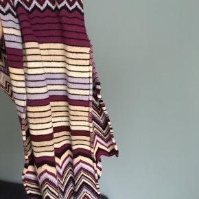 Virkelig smukt Missoni-halstørklæde købt i Paris 🌸  BYD