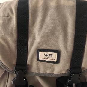 God stand selvom den er brugt- passer til taskens look