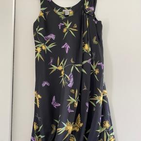 Rigtig fin kjole. Brugt 1 gang.