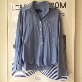 Oversize skjorte - super fin og kun brugt få gange! Se også mine andre annoncer 🍍