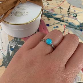 OLE LYNGGAARD COPENHAGEN Lotus tiny ring   Lotus tiny ring med turkis str 52  Ny pris 2450,-  Sælges for 1200,-