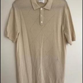 wood wood t-shirt i 100% uld (Scott polo). Har aldrig været brugt.