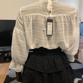 Helt ny shirt fra Vero Moda, Str M