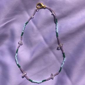 Perle choker halskæde Lyserøde grønne perler  💮 Prisen er fast og inkl Porto m postnord