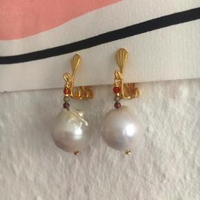 Flotte øreringe med unikke barokperler - laves med forgyldt sølv - 🌻🌻