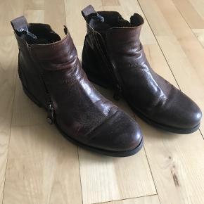 Sneaky Steve støvler til salg