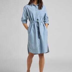 Lee kjole