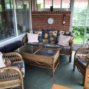 Bambus møbler: sofa, 2 stk. stole + bord