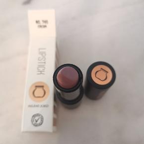 Nilens Jord læbestift i farven Cream. Var et fejlkøb (forkert farve) og kunne ikke returnere grundet mistet kvittering. Ubrugt.