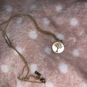 """⚡️Halskæde fra pilgrim ⚡️Aldrig brugt ⚡️""""Vedhæng"""" er livets træ ⚡️Tager gerne imod bud"""