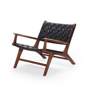 Lækker læderstol med tilhørende læder fodskammel fra Nova Møbler. Nypris kr. 7.500,-  Wegner inspireret design. Rigtig fin stand, næsten som ny. Sælges da vi er flyttet i mindre lejlighed.