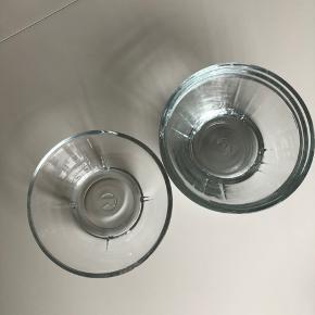4 fine glasskåle fra mærket Rosendahl i størrelse 15ø.  Sælger da de aldrig bliver brugt. Har ikke brugsmærker eller skår.