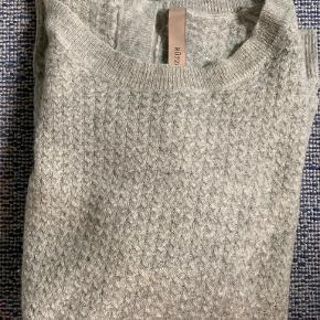 Rützou sweater