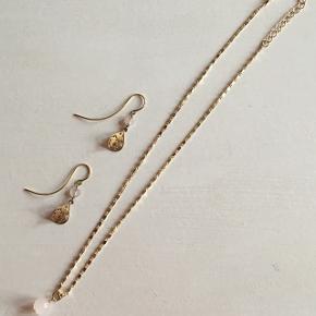 Ørering og halskæde med rosaquarts-sten ✨✨ Byd gerne