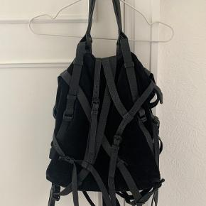 Kirsten Tote taske fra Alexander Wang. Næsten ikke brugt. Dustbag medfølger :)