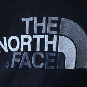 Flot sort hoodie fra The North Face (Mænd.) Ingen fejl, god stand 😊 BYYD  ( Køber betaler fragt )