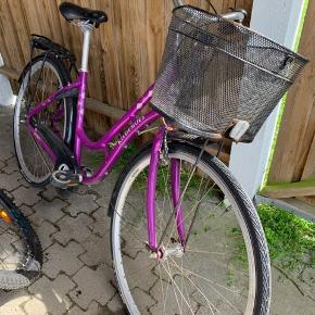 Kildemoes cykel - fladt bagdæk , og trænger til en kærlighånd - jeg er til at handle med står i hørby