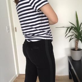 Tommy Hilfiger drenge T-shirt str 170, fitter en M-L  Køber betaler fragt