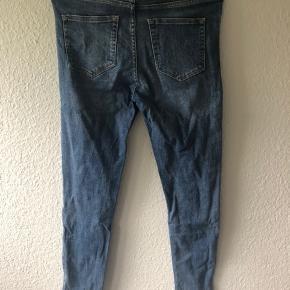 """Samsøe & Samsøe Alice jeans.  Brugt meget lidt. Str. 27""""32""""  Passes af en medium."""