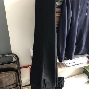 Lækre cropped habit bukser, som er perfekt til sommeren!