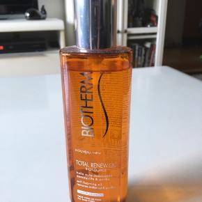 Biotherm Total Renew Oil Ansigtsvask Næsten ikke brugt (se foto) 200ml Self-foaming Oil  Removes make-up & purifies