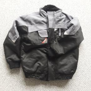 Jakke str 10 ENGEL arbejdsjakke/vinterjakke  Kvalitet/slidstærkt  Brugt men pæn Fra røgfrit og dyrefrit hjem