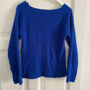 Sweater i kort model der aldrig er brugt da korte modeller ikke klæder mig (havde håbet 🤞) da den er så fed.