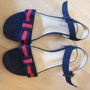Sprox sandaler
