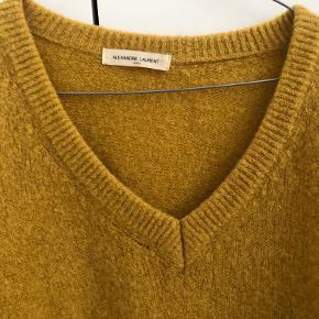 Alexandre Laurent sweater