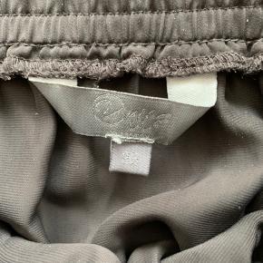 Nederdel m. Bindebånd