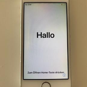 IPhone SE fra 2017 sælges. Hjemknappen virker - men den driller lidt - det betyder dog ikke noget, for telefonens virke. Telefonen i sig selv fejler ingenting. Sælges da jeg får arbejdstelefon. :-)