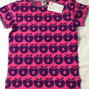 Småfolk, ny t-shirt med æbler, str 134/140 - ny med mærke.   Mp 100pp