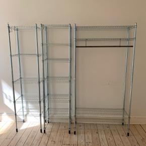"""Garderobeskab i 3 """"moduler"""", fra IKEA, sælges samlet eller hver for sig. Hylderne kan justeres, kan skilles ad og bøjlestang i jern medfølger. Alt på billederne medfølger, skal afhentes i Valby."""