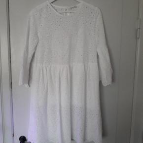 Hailys kjole