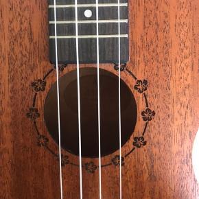 Kvalitets ukulele næsten som ny::)