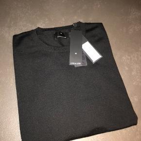 Helt ny strik i 100% merino uld. Sælges da den er for lille. Stadig med prismærket i. Nypris 599