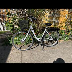 Brand: Sco Varetype: Cykel Størrelse: Normal  Farve: Hvid Oprindelig købspris: 11000 kr. Prisen angivet er inklusiv forsendelse.  Jeg sælger min el cykel som er blevet brugt 2 gange. Ingen tegn på slid.   Spørg for mere info