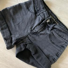 Grå Jacquelin de Young shorts Størrelse XS Okay stand 🧚🏼♂️