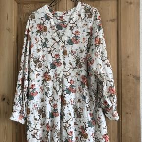 Hm X GP & banker skjorte / skjorte kjole Brugt et par gange og vasket.   Mærket er klippet af i nakken, så størrelsen ikke er på kjolen. Ellers fin stand