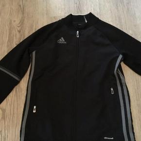 Brand: Adidas climacool Varetype: Sportstøj Farve: sort Prisen angivet er inklusiv forsendelse.