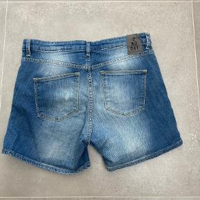 2nd Day shorts
