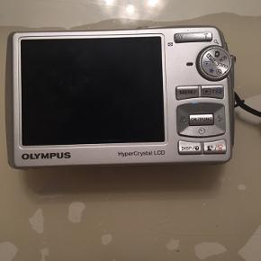 Sælger mit gamle Olympus Digitale Camera  Virker som det skal  8.0 Mega Pixels