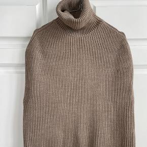 Mark Kenly Domino Tan sweater