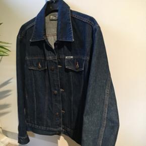 Denim/cowboy jakke Str XL fitter meget mindre Fitter en M  Pris 100 Fragt er 33 kr