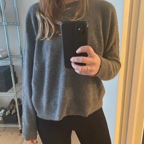 Moshi Moshi Mind sweater