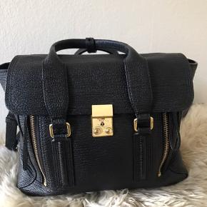 Skøn taske, har lidt slid på hardware, se billede 5